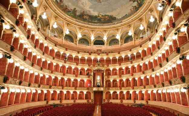 Lavorare come ballerini al Teatro dell'Opera di Roma