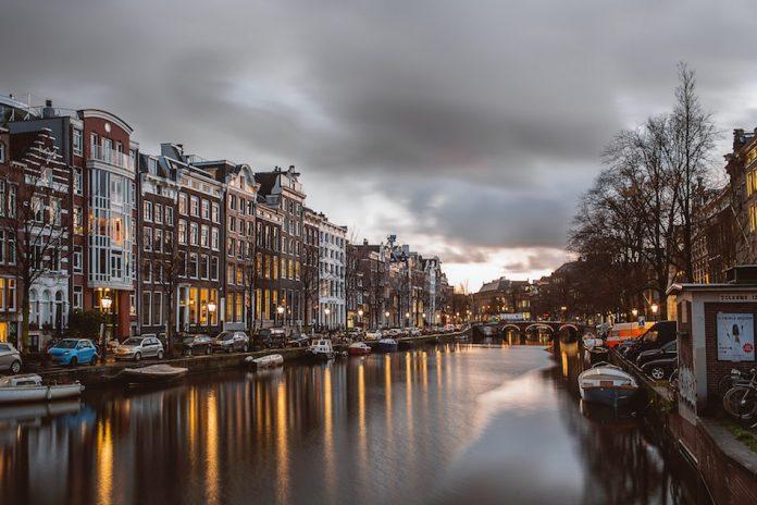 lavorare ad Amsterdam